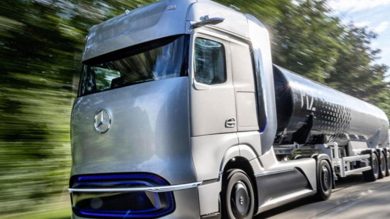 Mercedes scommette sull'idrogeno, il camion con mille km di autonomia